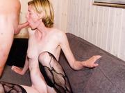 37 year old Jenny swinger weekend amateur porn pics
